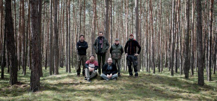 Zniszczone kurhany w Lesie Grodziskim